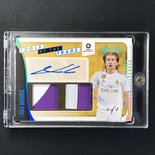 2019-20 Chronicles Soccer LUKA MODRIC Tools Of The Trade Patch Auto 1/1-Cherry Collectables