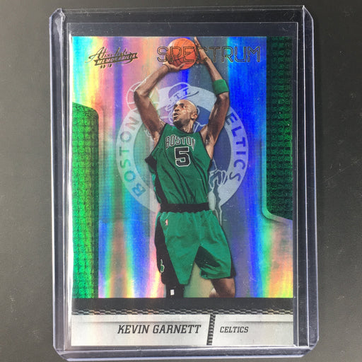 09-10 Absolute KEVIN GARNETT Spectrum Holo 37/100-Cherry Collectables