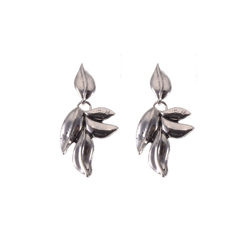 Lylou Leaf Silver Earrings