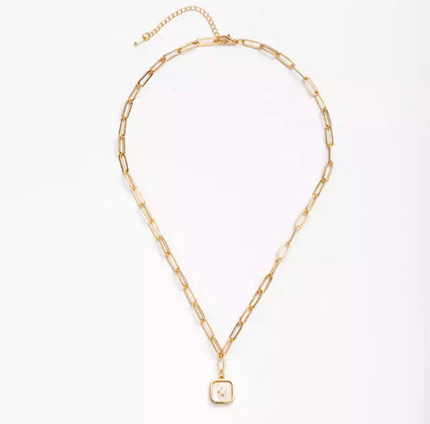 Delila Gold Necklace