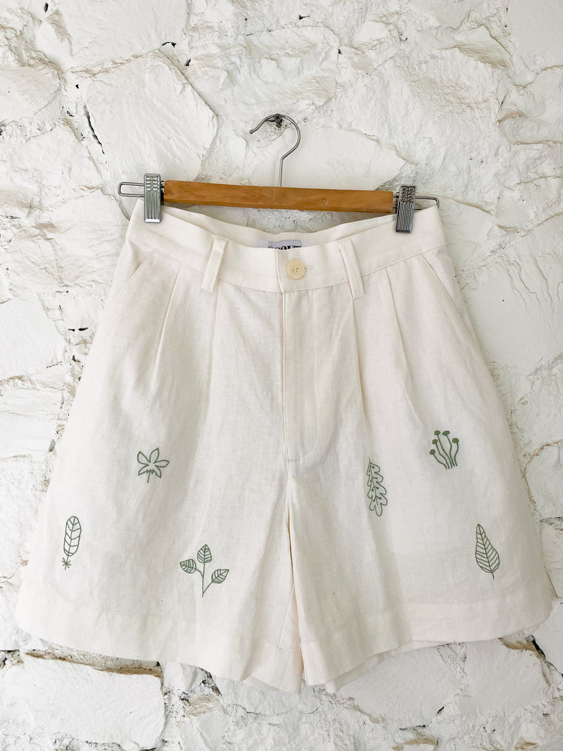 Poppy X Scout: Green Leaf Short