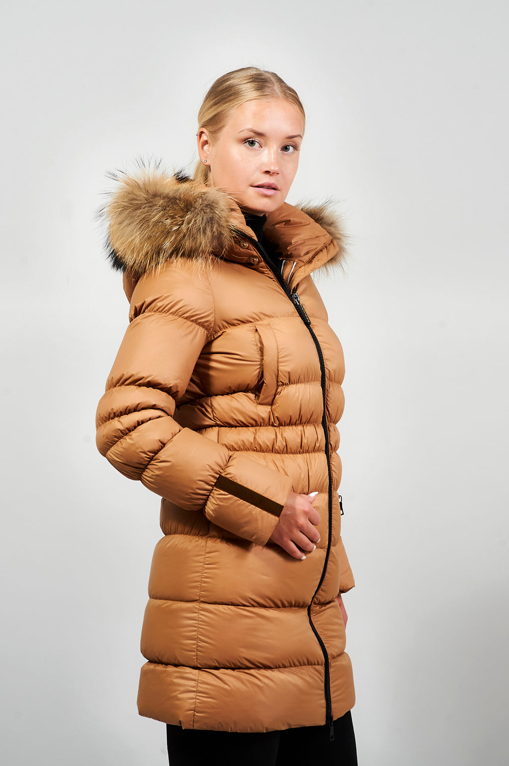 Eskimo | Tan & Black