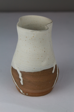 將圖片載入圖庫檢視器 Small Drippy White Altered Vase