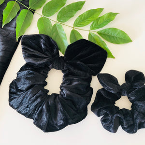 Mummy & Me Bow Scrunchies - Black Velvet