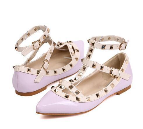 The Rivet Pointed Toe Flat Shoes