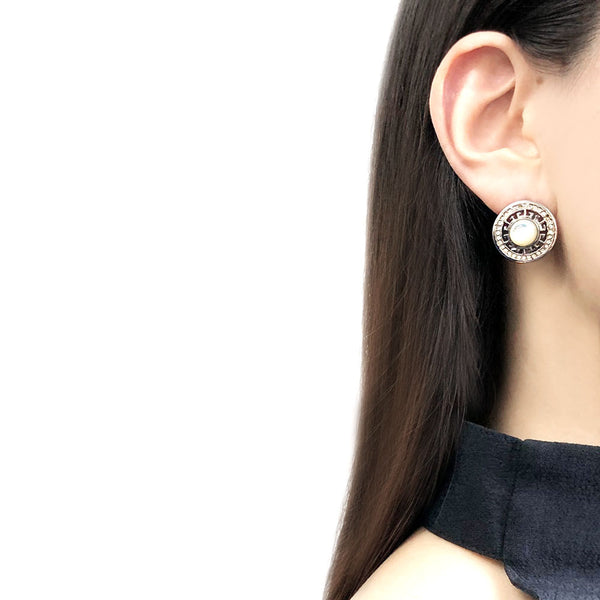 【USA輸入】ヴィンテージ ホワイト カボション ピアス/Vintage White Cabochon Post Earrings