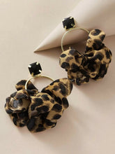 Load image into Gallery viewer, Leopard earings
