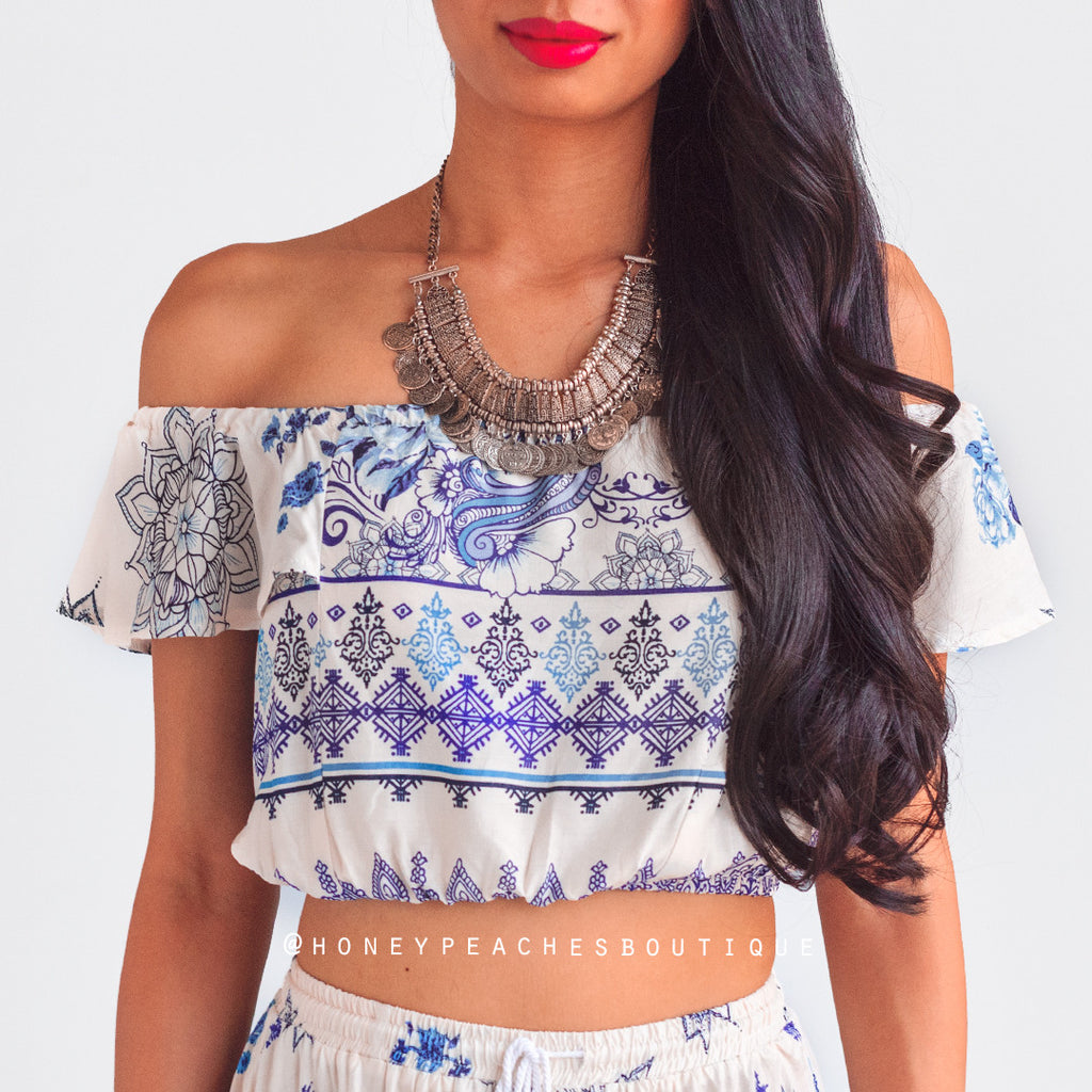 Dreaming of Maldives Crop Top - Cream/Blue Print