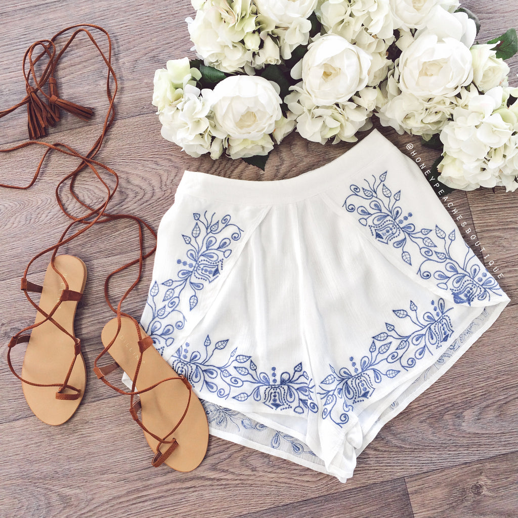 Secret Garden Embroidered Shorts - White / Blue