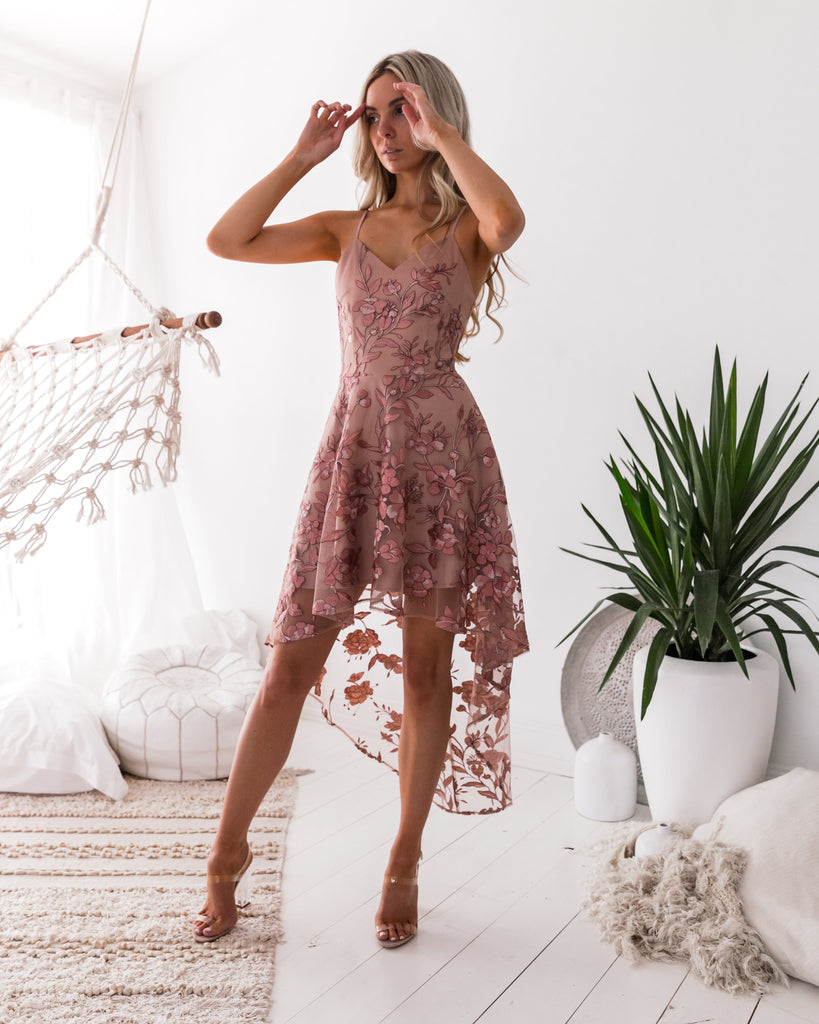 Saskia High Low Embroidery Dress - Dusty Blush