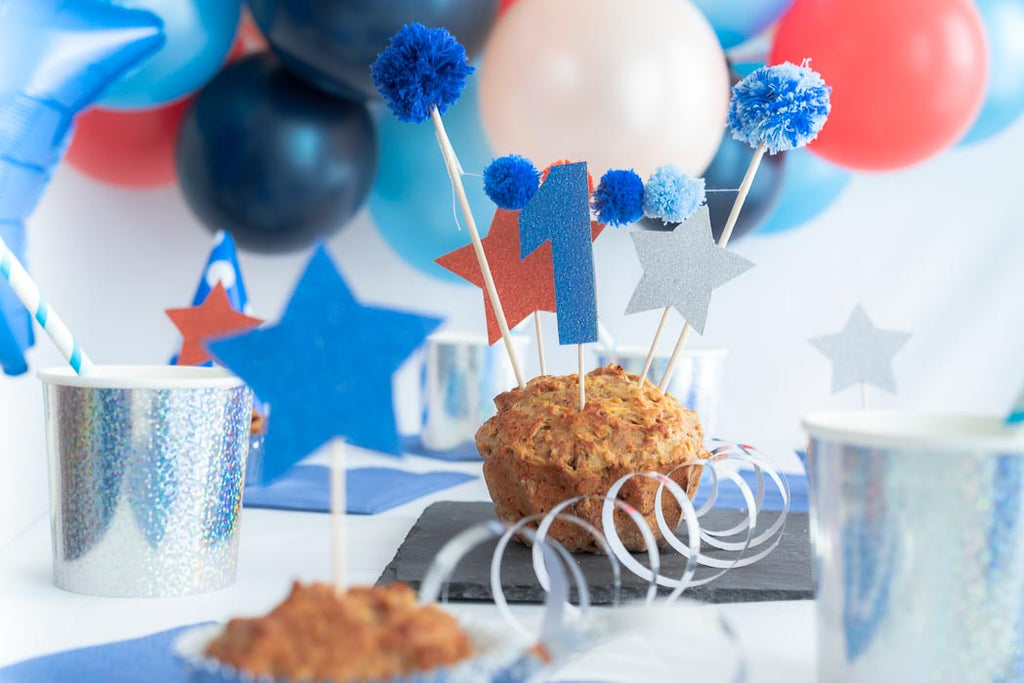 mini diy pompom girlande cake topper