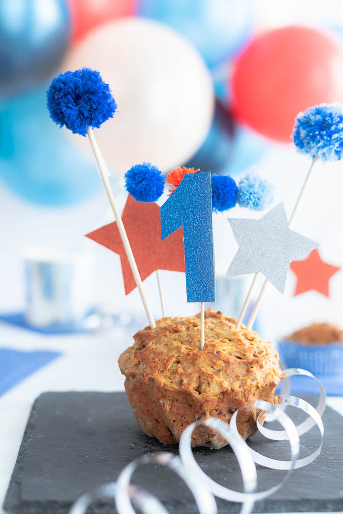 diy cake topper mini pompom girlande