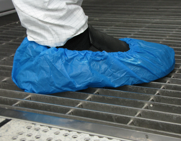 Polyethylene Shoe Cover Blue 60 gsm, 100 ea/Bag  3 Bags/Case