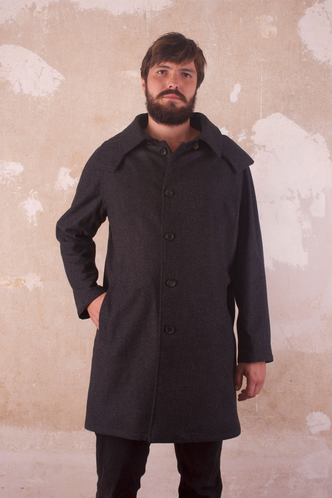 CAPPUCCIO Sustainable Men's Coat Merino Wool front
