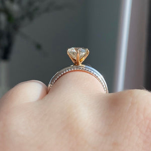 Complete Bez Ambar Round Brilliant Engagement Ring