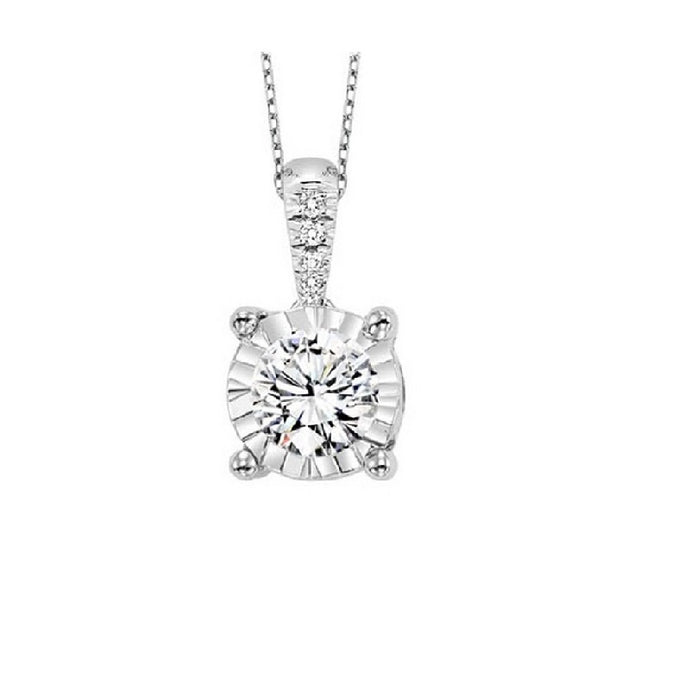 14K Diamond Pendant (0.10 CTW)