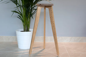 The Heron Tripod Hardwood Bookshelf Speaker Stands 700mm tall with speaker spikes and shoes