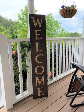 Wooden Welcome Sign - Welcome (Vertical)