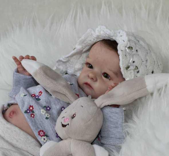"18"" Maeve Realistic Reborn Baby Girl"