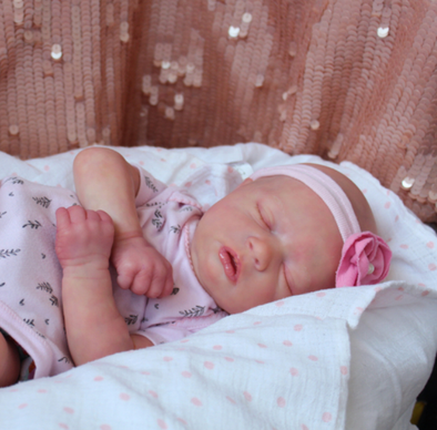 "17"" Chelsey Realistic Reborn Baby Girl"