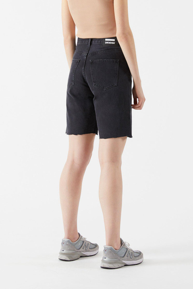 Echo Shorts (Charcoal Black T59)