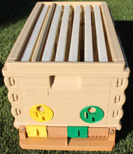 Load image into Gallery viewer, Apimaye Insulated 7 Frame Langstroth Nucleus Bee Hive Nuc - Apimaye