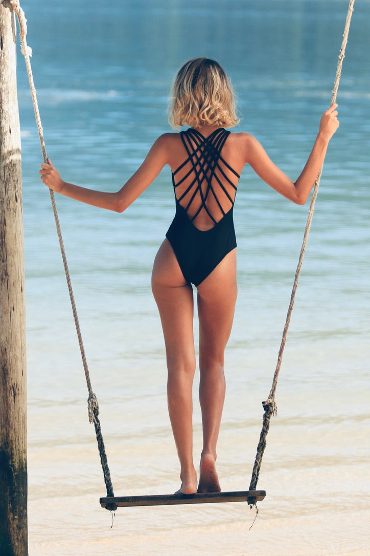ANASTACIA ONE-PIECE