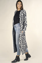 Load image into Gallery viewer, Leopard Duster