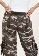 Load image into Gallery viewer, Camo Pants