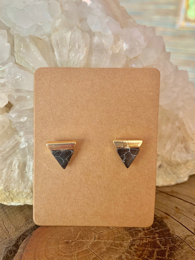 Country Glow Stud Collection Earring Marble Triangle