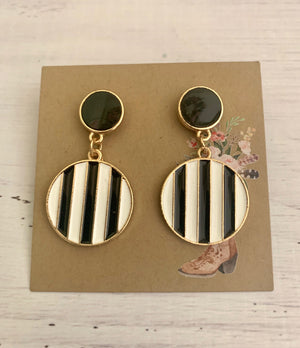 Country Glow Drop Collection Black & White Earrings
