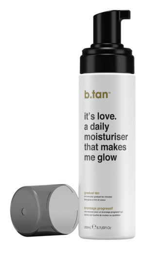 B.tan Daily Moisturiser That makes Me Glow - Gradual Tan Cream