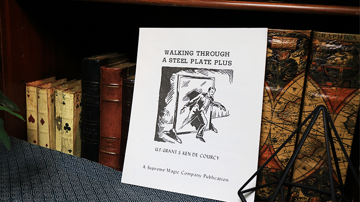 Walking Through a Steel Plate PLUS par UF Grant & Ken de Courcy - Livre.
