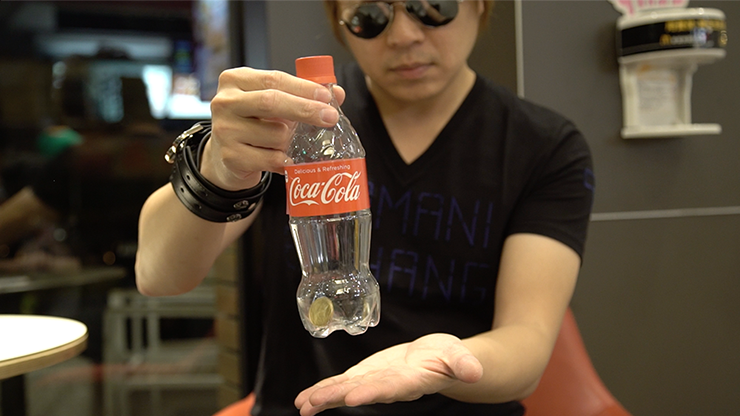 Banked - Red, Coca-Cola (Gimmicks and Online Instructions) by Taiwan Ben - Trick.