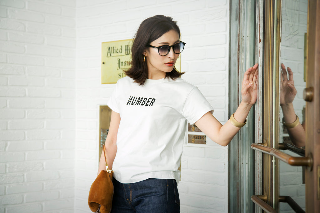 un number [NUMBER] ロゴTシャツ