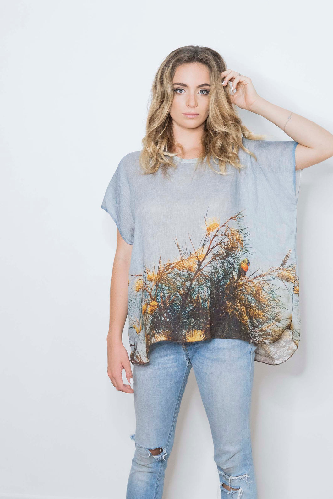 RAINBOW LORIKEET LINEN TOP