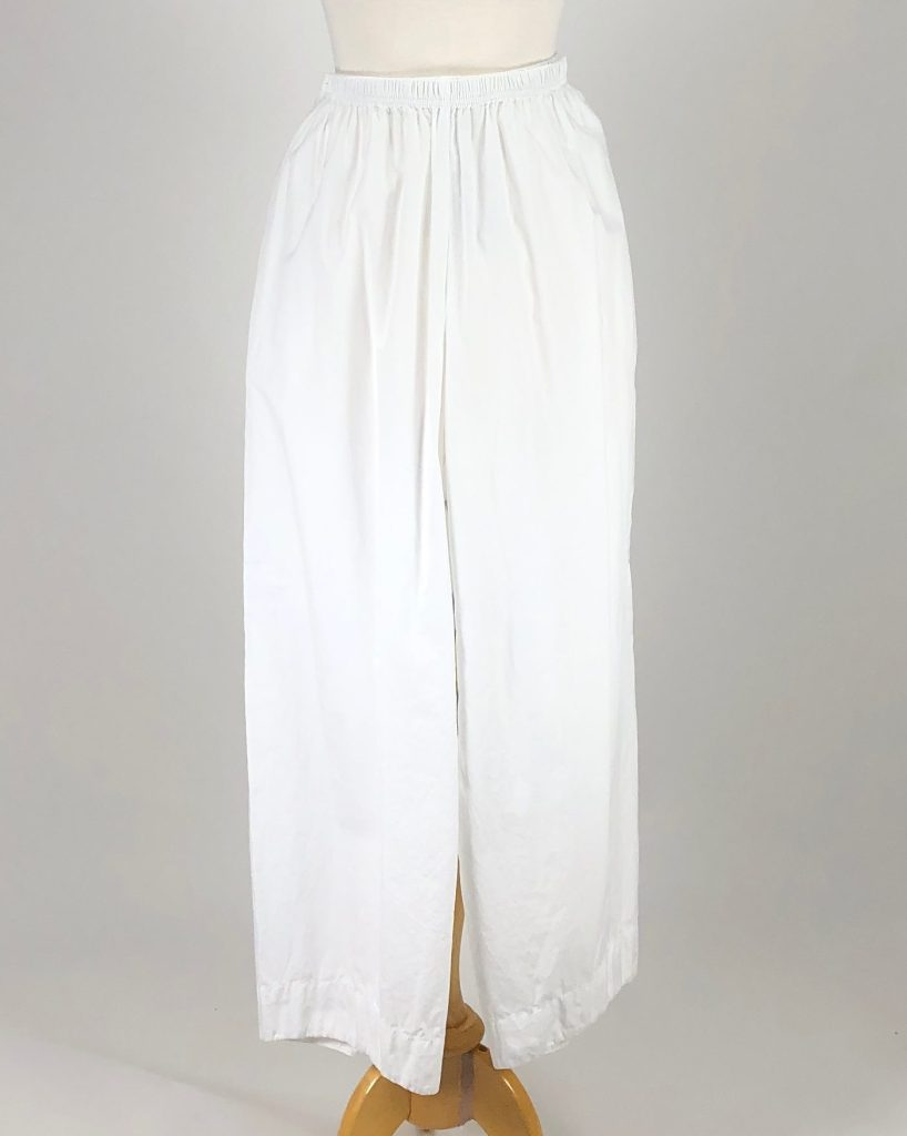Cut Loose Organic Poplin Twist Pant