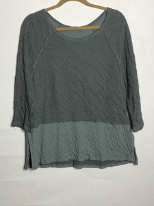 Cut Loose Raglan Border Top