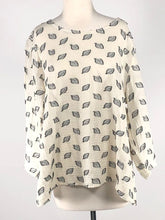 Load image into Gallery viewer, Cut Loose Leaf Jacquard 3/4 Sleeve Aline Top