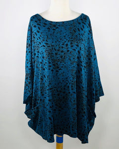 Cut Loose Graphic Animal Print Osize Pullover
