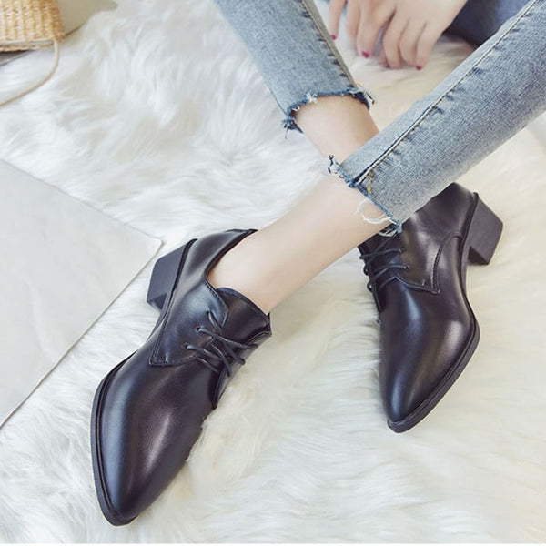 Patent Leather Oxford Woman's Shoe
