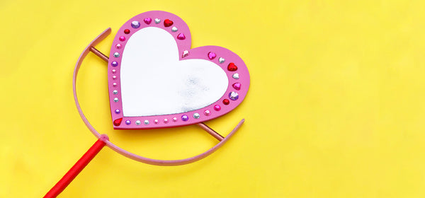 A Super Sparkly Valentine's Day Craft for Kids!