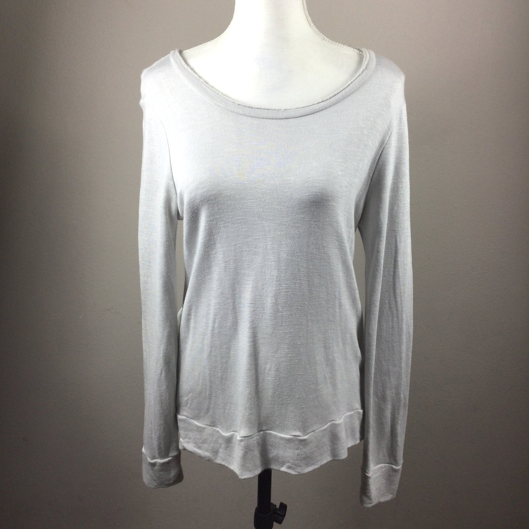 Chelsea 28 Gray Ruffle Back Sweatshirt Size Small
