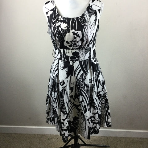 East 5th Black White Floral Sleeveless Dress