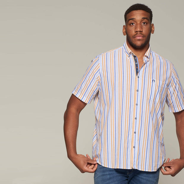 Fortmens model wearing an orange stripe short sleeve shirt from Campione - front view