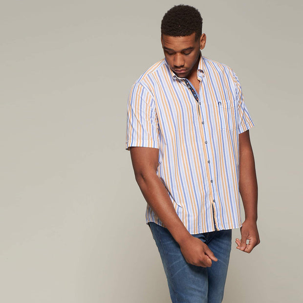 Fortmens model wearing an orange stripe short sleeve shirt from Campione - full body
