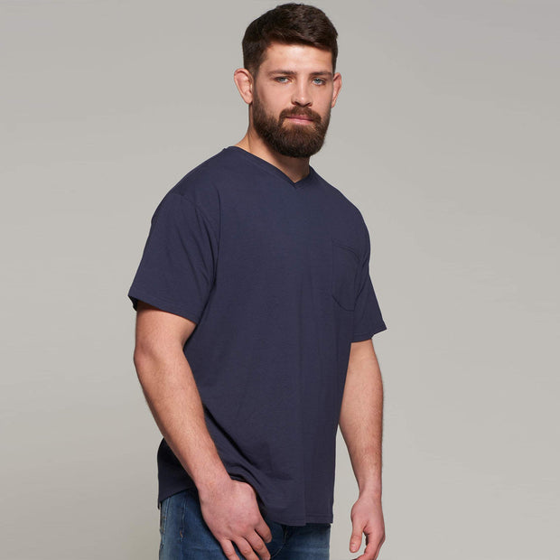 Fortmens model wearing North56 Vneck T-Shirt - front view