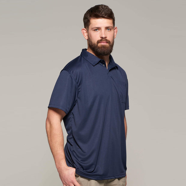 Fortmens model wearing North 56°4 cool effect polo shirt navy blue - front view