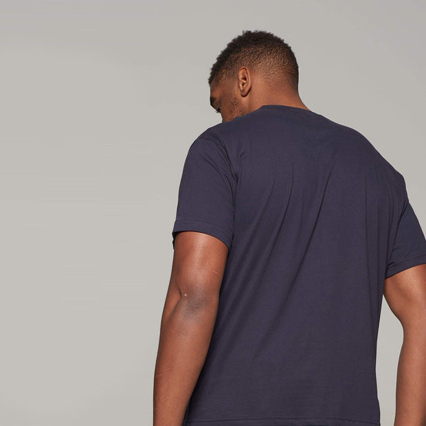 Fortmens model wearing Round neck - T-shirt - back view