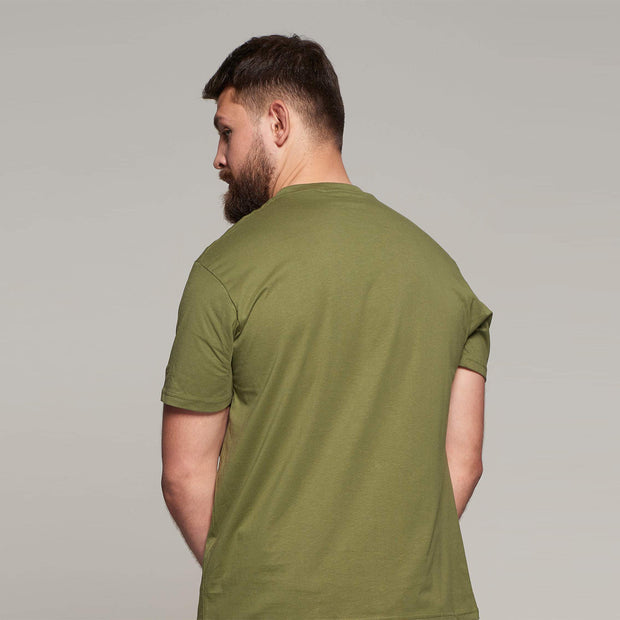 Fortmens model wearing North56 Olive Green Round Neck T-Shirt Close up
